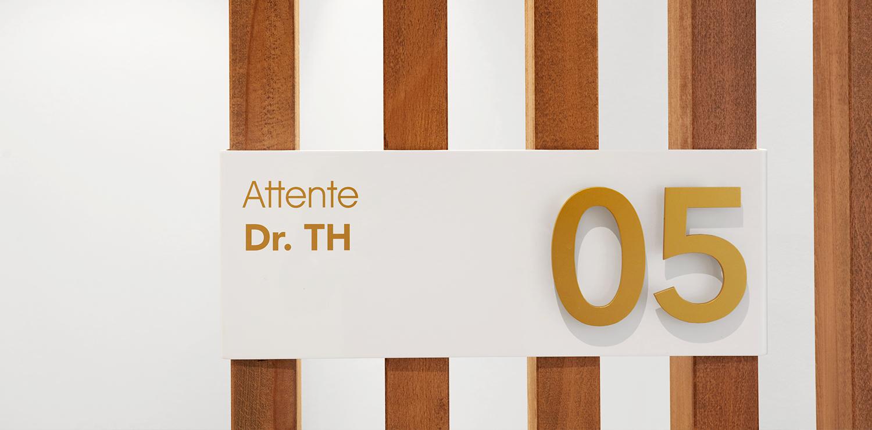 CABINET-ORL-SQUARE-VIOLETTE-07